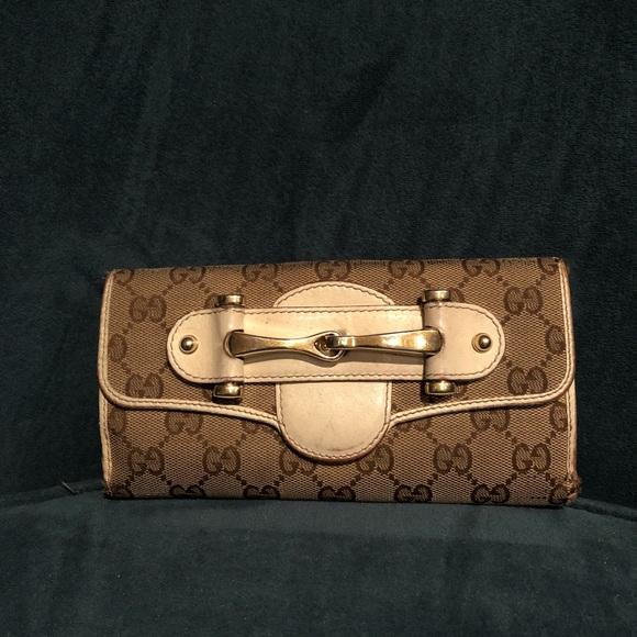 88c3ed2e8bb Gucci Handbags - Gucci Monogram Canvas cream and white wallet
